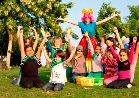 Fiesta de cumpleaños al aire libre