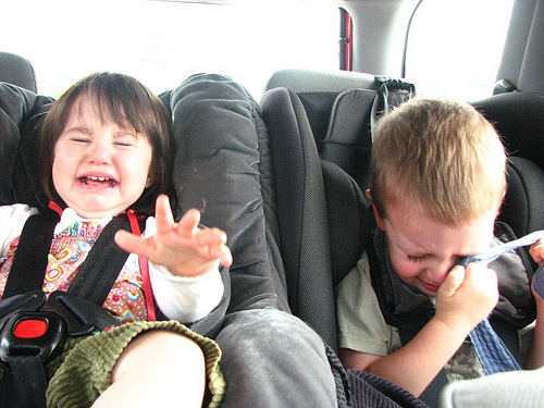Peques llorando en el coche